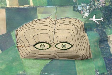 Les Yeux du Ciel une oeuvre de Land Art en terres de déblais de A.Grumbach sur le site d'ECT